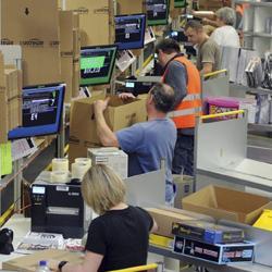 Amazon cerr el cuarto trimestre con un 56 m s de for Cuarto mas empresa