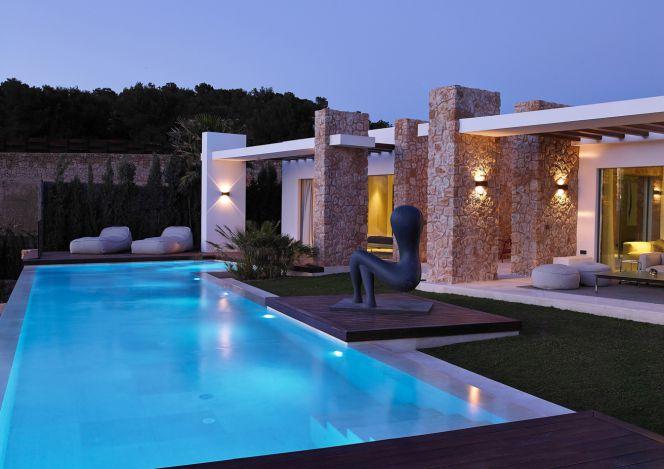 Casas de lujo f ciles de vender a pesar del precio for Casa con piscina para alquilar por dia