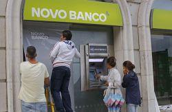 Portugal sondea a la banca espa ola para vender novo banco for Banco espirito santo oficinas