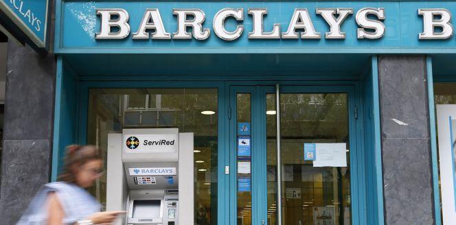 La banca prev otra oleada de cierre de oficinas para for Oficinas banco popular barcelona