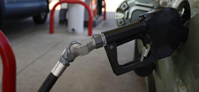 La OCU prepara un concurso para una compra masiva de gasolina