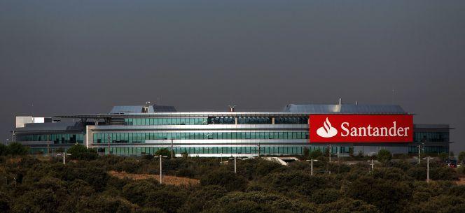 Santander pone en marcha el flexiworking para toda la for Horario bancos madrid