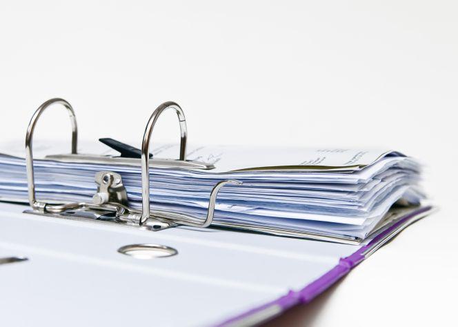 ¿Durante cuánto tiempo debe un autónomo o pyme guardar facturas?