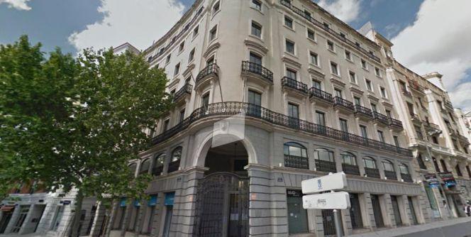 Mapfre compra a los notarios un edificio en la puerta de for Edificio puerta real madrid