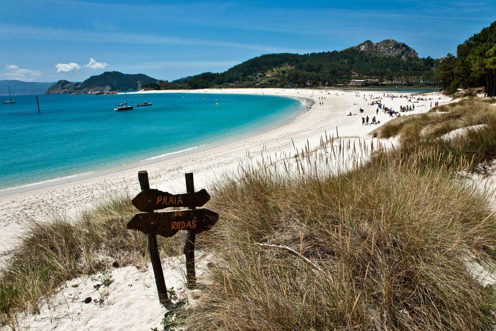 Playa de Rodas, en las Islas Cies, ría de Vigo (Galicia).