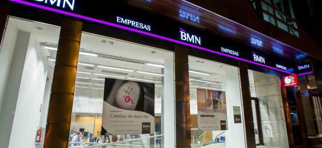 Bmn reestructura su red de oficinas con el reto de salir a for Bmn clausula suelo 2016