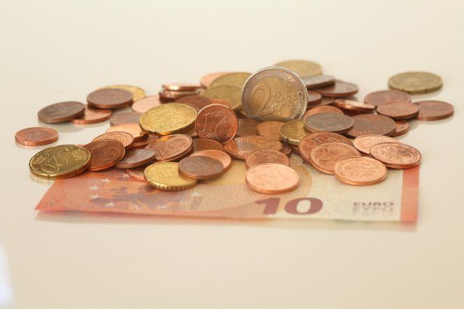 Calendario fiscal completo para autónomos y pymes 2016