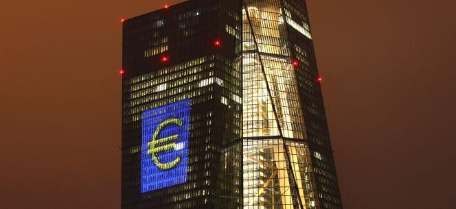 Santander abre oficina en fr ncfort para hacer lobby ante for Clausula suelo oficina directa