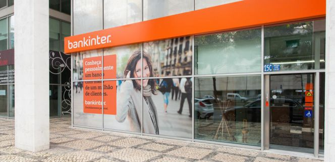 Bankinter integra las oficinas lusas de barclays en 72 for Oficinas bankinter