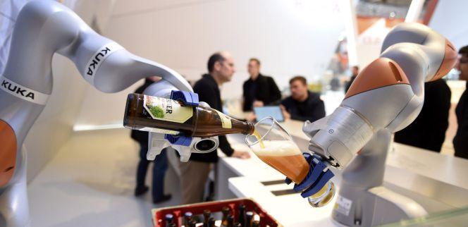 Robots, sin derechos laborales, pero compitiendo en el mercado