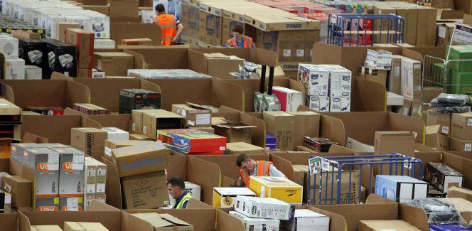 CaixaBank, Amazon y Seur se alían para impulsar la digitalización del pequeño comercio
