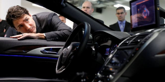 Blackberry pisa el acelereador en el coche autónomo