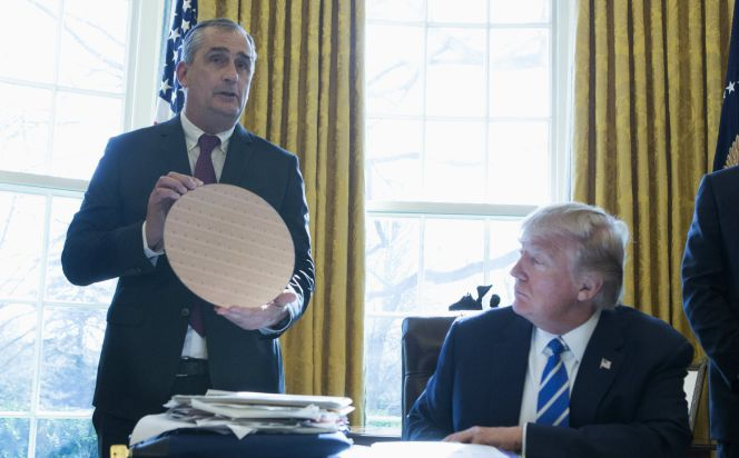 Intel y Sharp responden a Trump: invertirán 13.100 millones en EE UU